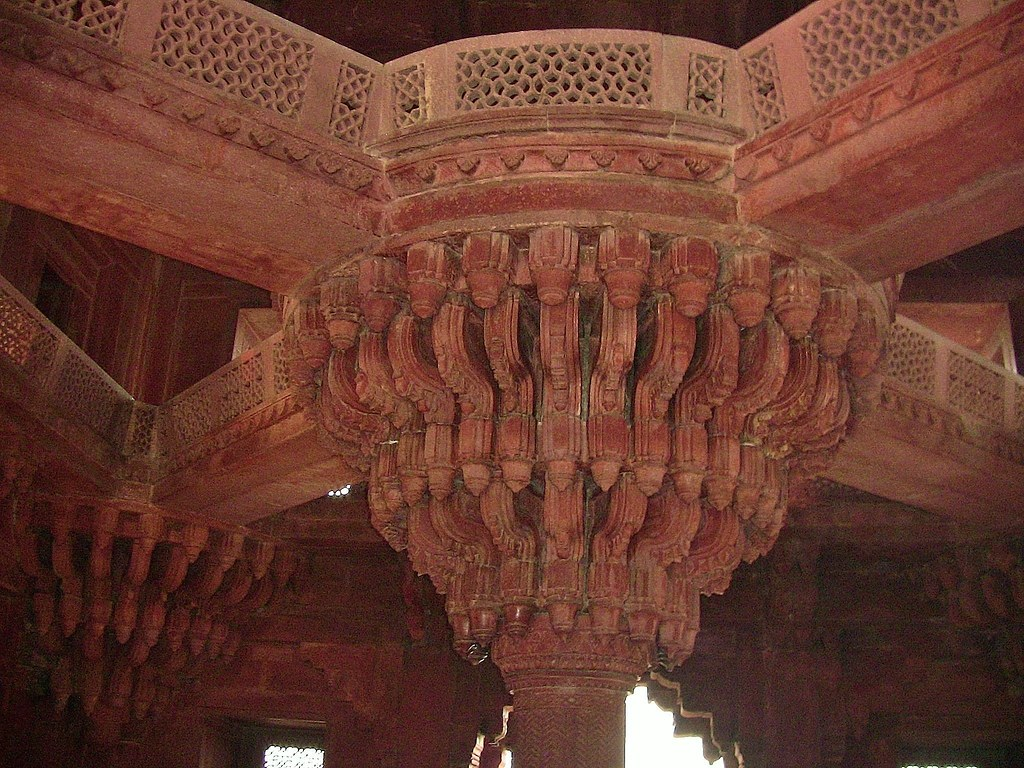 "INDIEN , ""Fatehpur Sikri"", Palast und Residenz des Großmoguls Akbar, architetcure, The central pillar of Diwan-i-khas, 13329/6241"