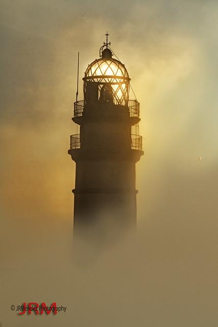 El faro entre la niebla