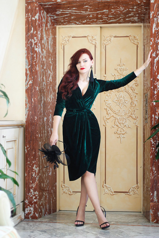 emerald green velvet dress 1