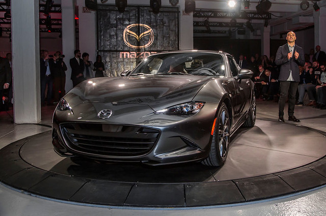 2017-Mazda-MX-5-Miata-RF-on-stage-front-view-2