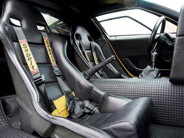 Салон Bugatti EB110 SS. 1993 – 1995 годы