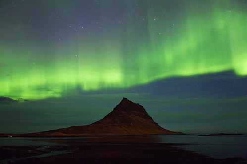 My first time really seeing the northern lights. Not too bad Iceland, not too bad at all.