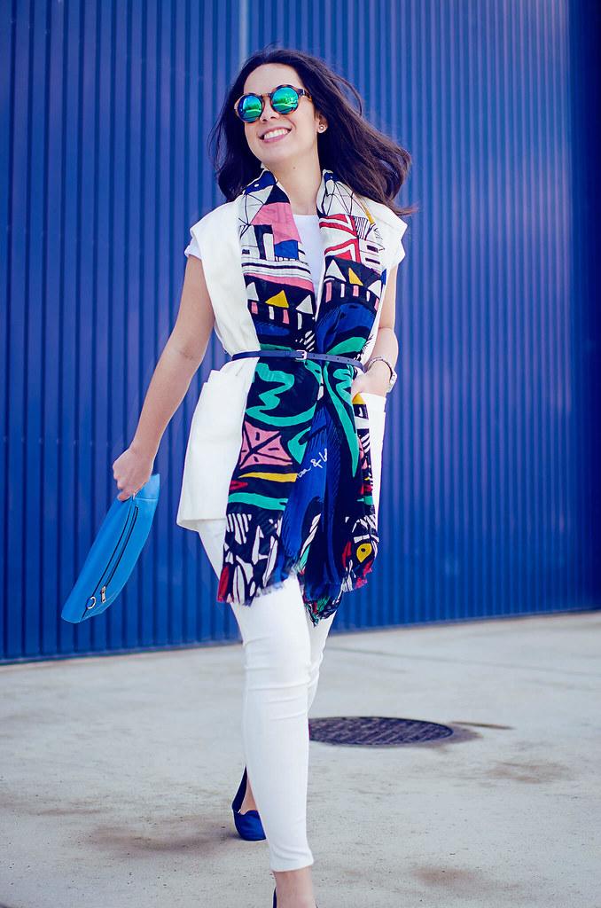 Cómo combinar un pañuelo de colores II