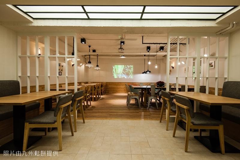 14. 九州鬆餅松菸店-B1用餐區1