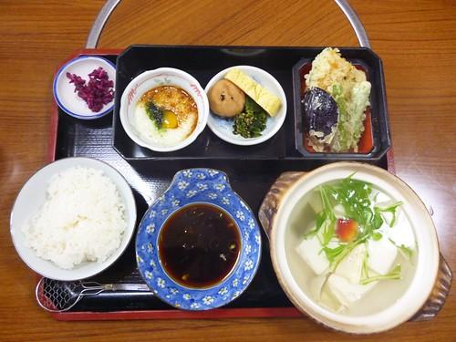 lunch 6 apr