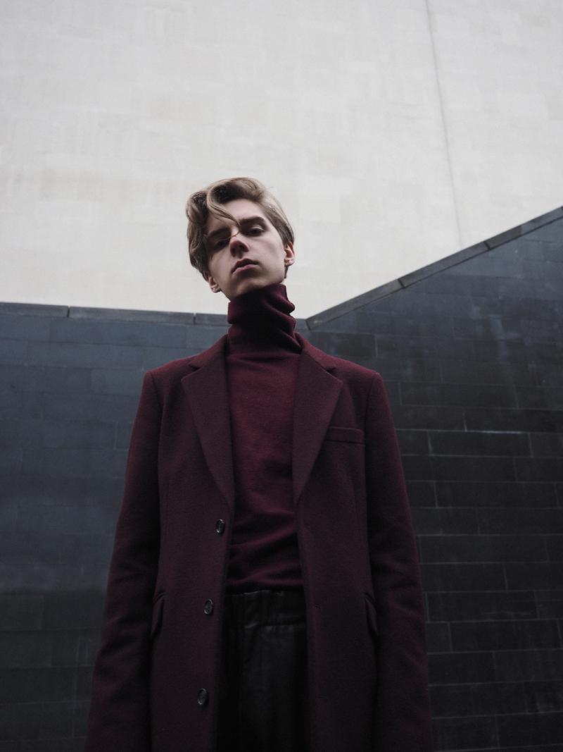 mikkoputtonen_fashionblogger_london_outfit_style_asos_kiomi_onarSrtudios_leatherpants_balenciaga_cutoutboots1_web