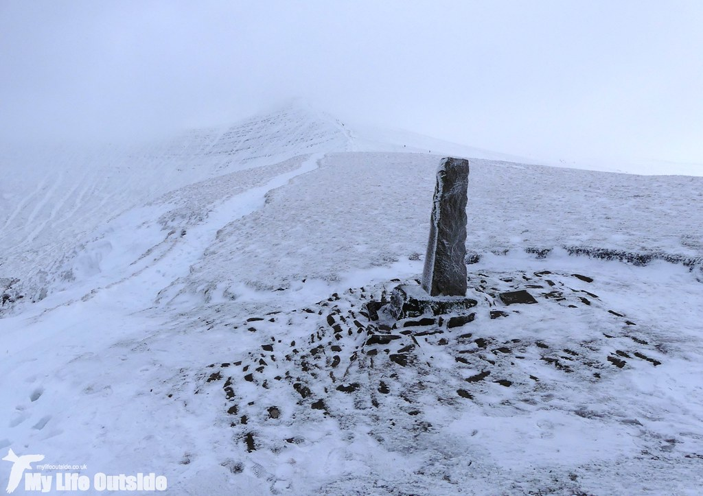 P1000339 - Pen y Fan, Feb 2016