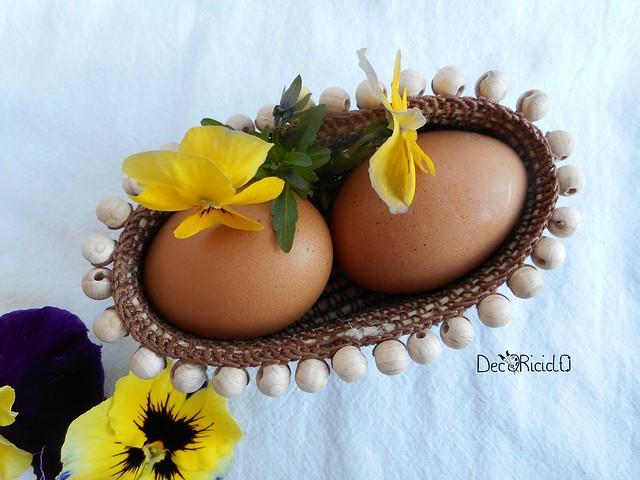 cestino ovale porta-uova con perle legno 2
