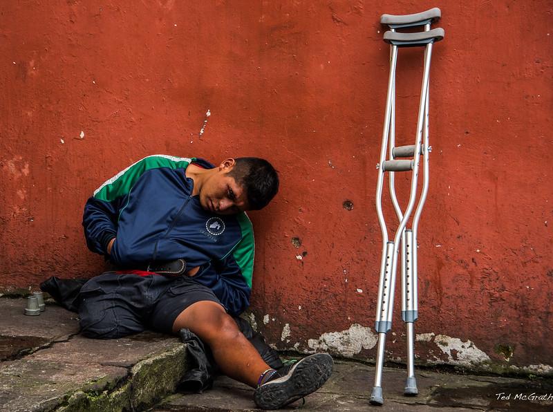 2016 - Mexico - Orizaba - Crutches
