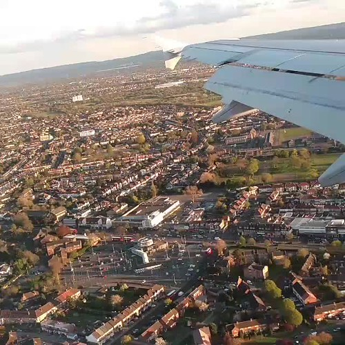 1 minute to land London Heathrow T2