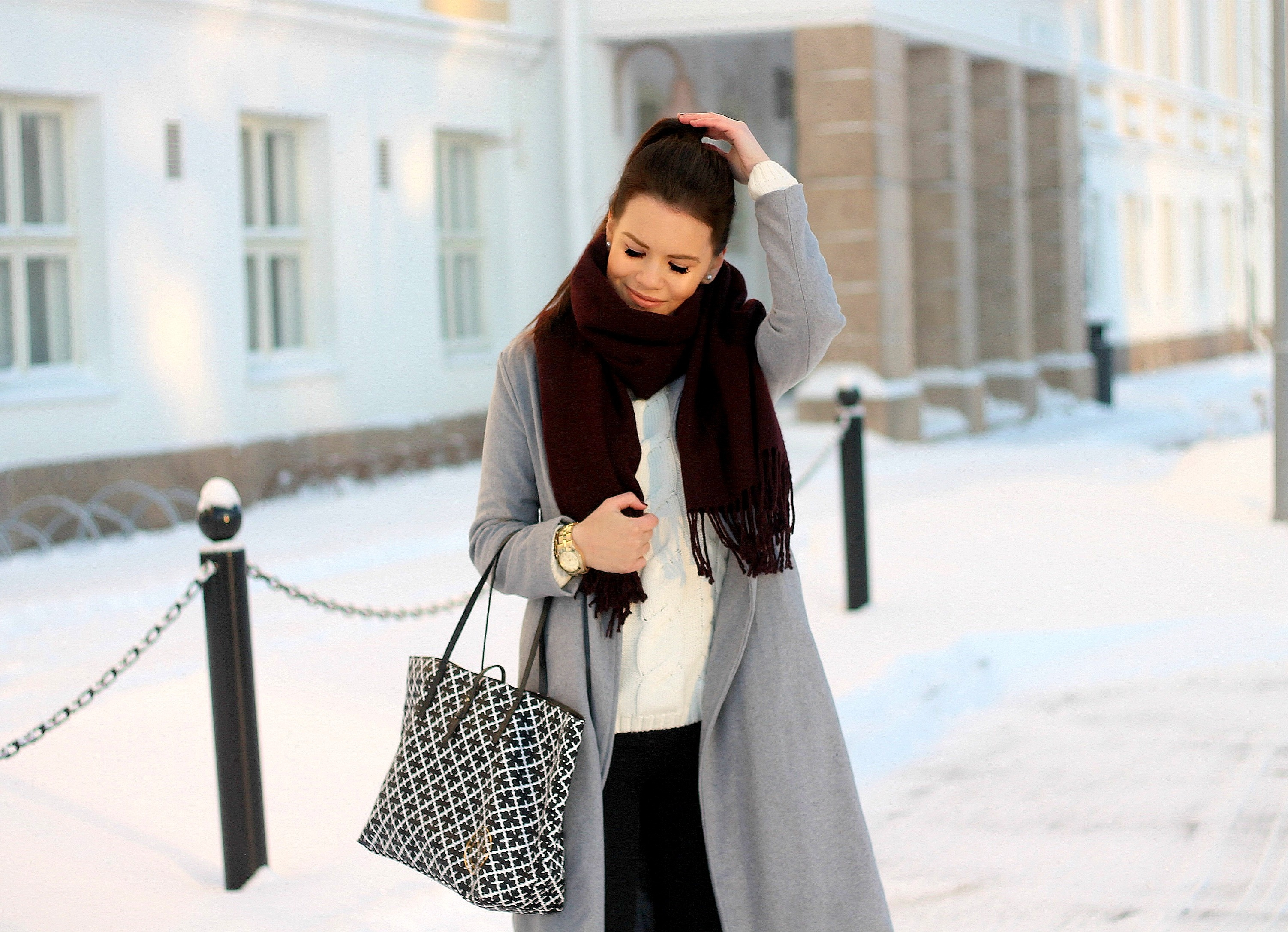 Grey wool coat blogi