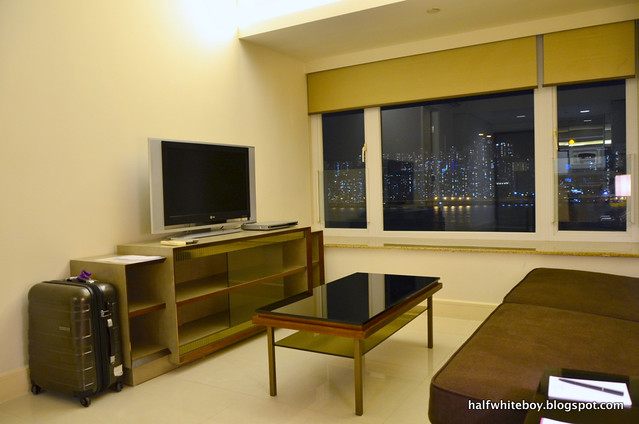 kowloon harbourfront hotel 01