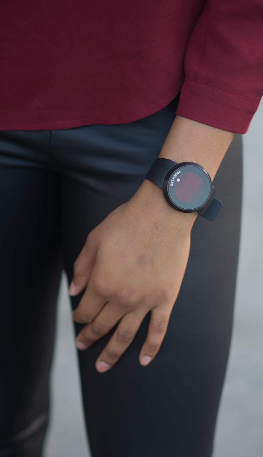 touch screen watch minimalist blogger