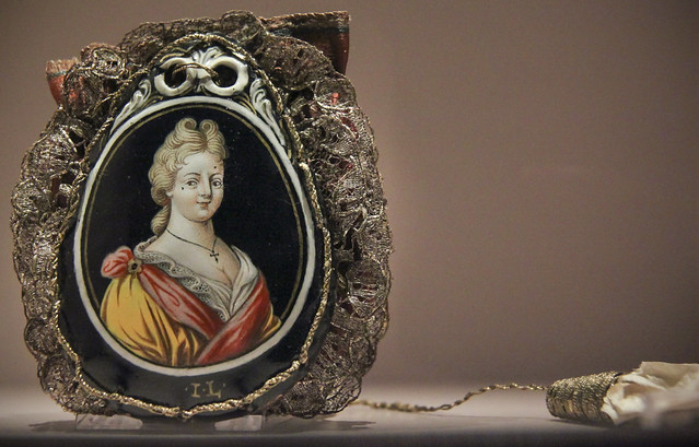 Silk bridal bag with bride (Princess Maria Leszynska, the bride of King Louis XV) in enamel on copper, Limoges, France, 1725