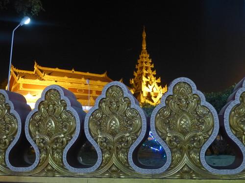 M16-Monywa-Centre-ville-Temple (15)