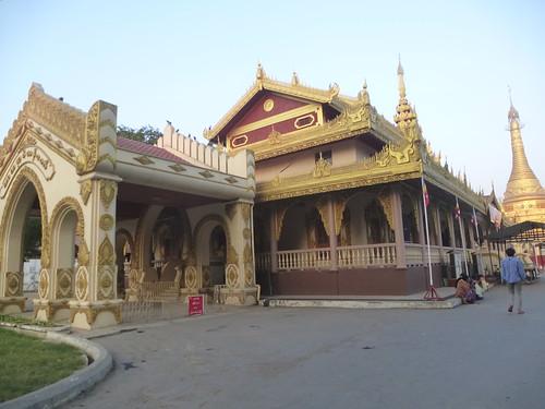 M16-Monywa-Centre-ville-Temple (2)