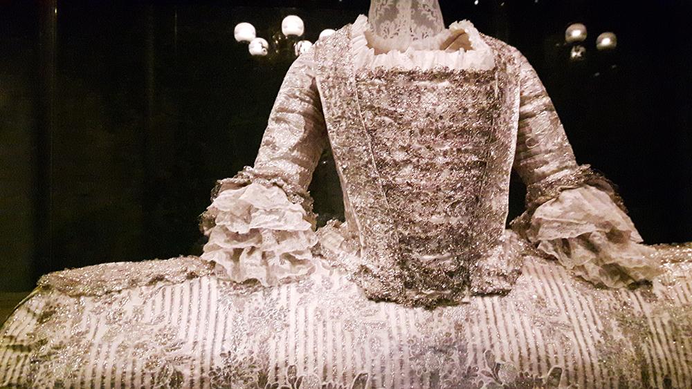 gown-kensington-palace
