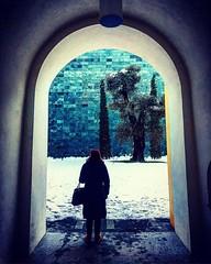 Donna con Patio #senzatimore #igersitalia #igerslugano #igersmilano #igersticino #igerslombardia #igers #igersoftheday