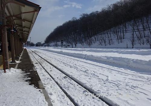 流氷、網走駅雪の線路