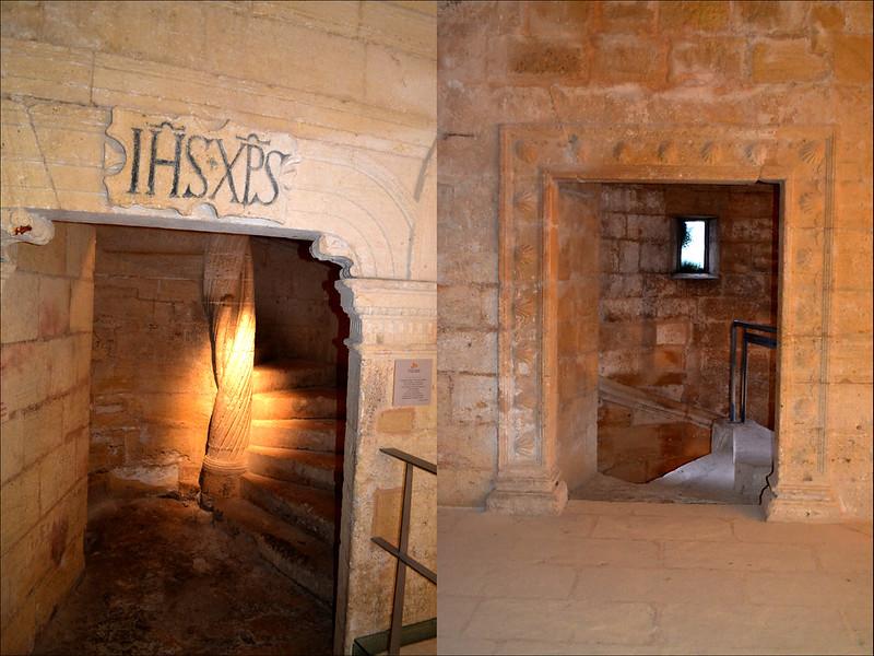 Las puertas emplean medallones, guirnaldas, conchas y otros elementos.