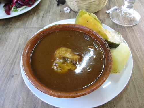 Antigua: pollo pepian (poulet à la pepian)