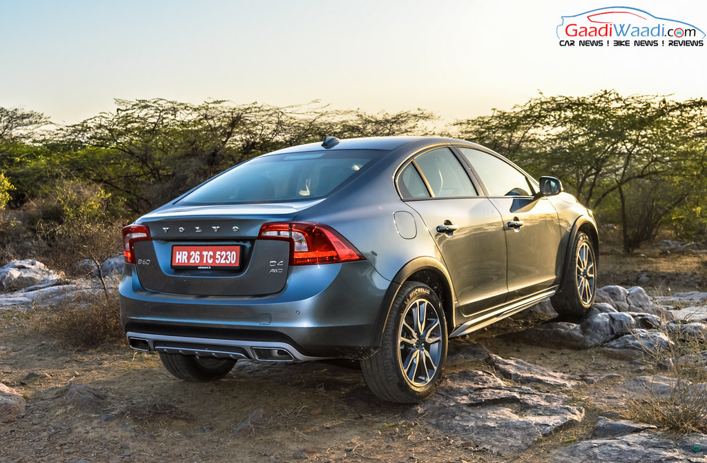 Volvo S60 Cross Country review india-12