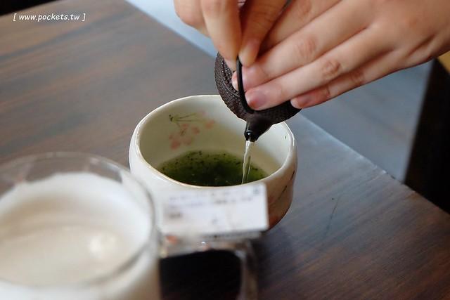 24167038521 037447bd3f z - 【台中西區】三星園抹茶.宇治商船。來自日本的三星丸號,漂亮的船艦外觀,濃濃的京都風情,有季節限定草莓抹茶系列(已歇業