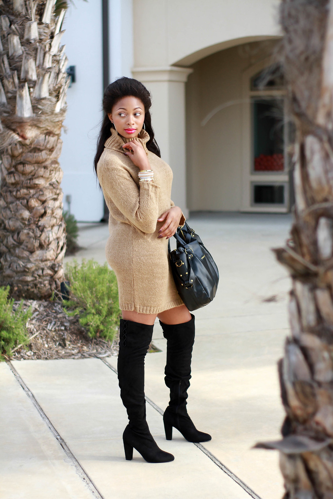 neutral outfit camel and black street wear