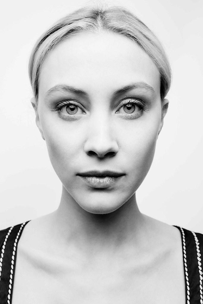 Сара Гадон — Фотосессия на «TIFF» 2015 – 2