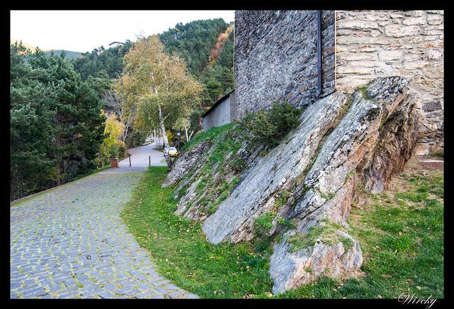 Rocas en Iglesia de Sant Cristòfol de Anyós