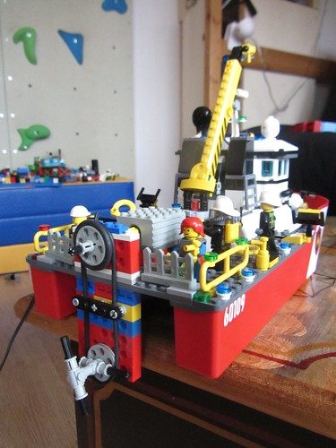 Lego boat motor