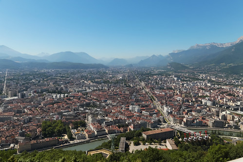 city blue summer sky panorama france mountains june grenoble river europe view centre horizon center bowl clear bleu ridge ciel été bol viewpoint ville pointdevue montagnes fleuve 2015 isère rhônealpes meteorry jardindeville mountainranges montrolland placevictorhugo fortdelabastille coursjeanjaures grenoblealpesmétropole auvergnerhônealpes metropile