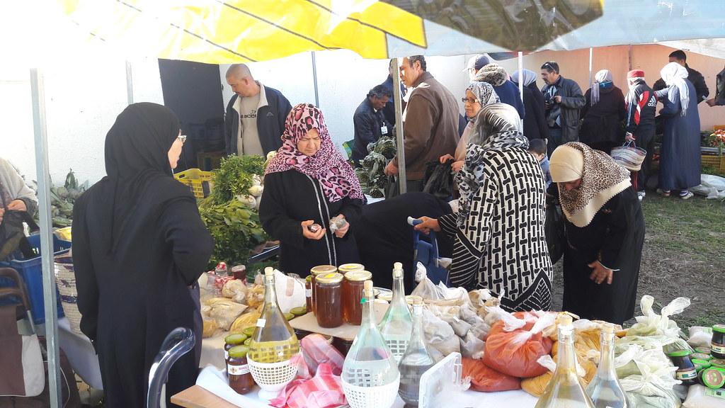 Souk solidaire du producteur aux consommateurs (BY-ND/Tunisie Coop)
