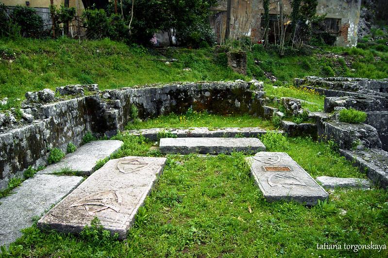 В бывшей церкви