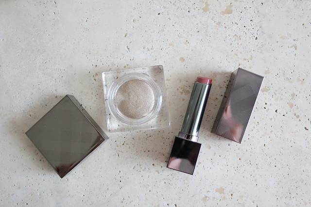 Burberry kisses sheer tea rose and burberry eye colour cream in nude gold review and swatches
