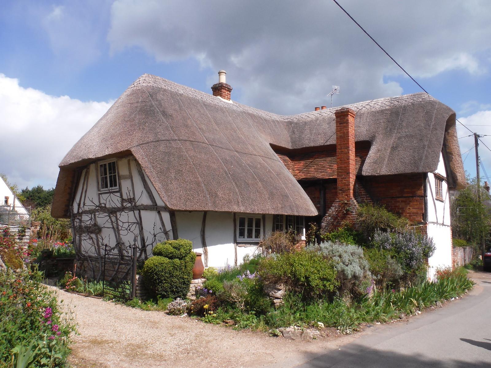 House in Long Wittenham SWC Walk 44 - Didcot Circular