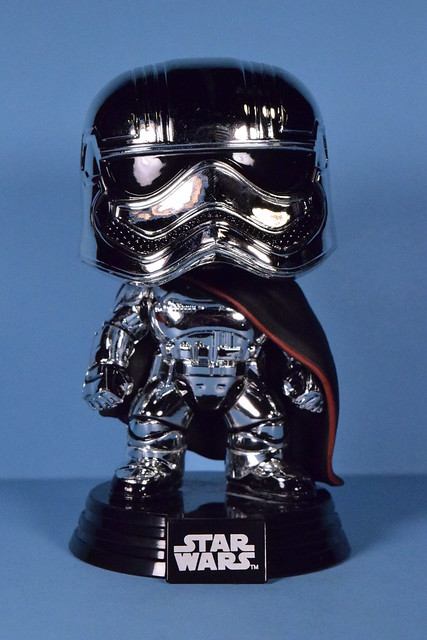 Funko Pop! Captain Phasma (chrome) bobble-head (Smuggler's Bounty exclusive)