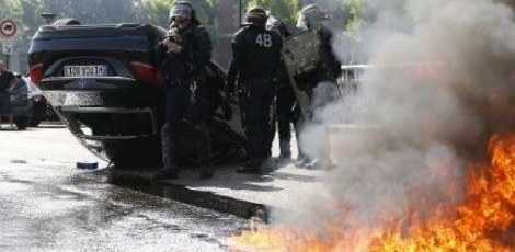 uber_protesto_frnaca_AFP