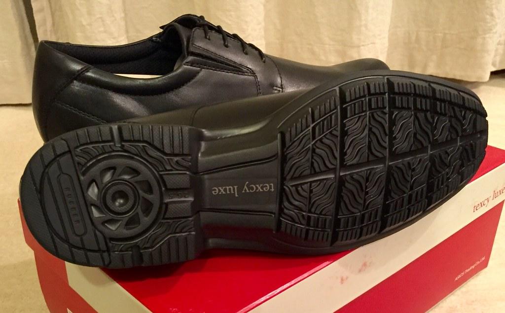 革靴 テクシー アシックス