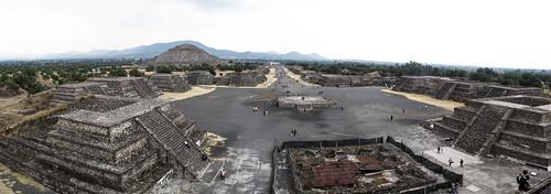 Teotihuacan: vue depuis la Pyramide de la Lune