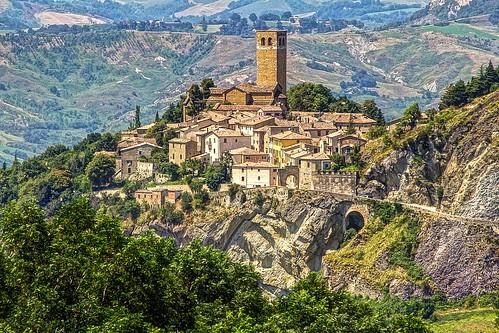 roccia borgo rocca cagliostro emiliaromagna sanleo montefeltro balze malatesta