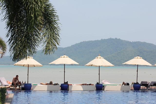 Serenity-Phuket-infinity-pool
