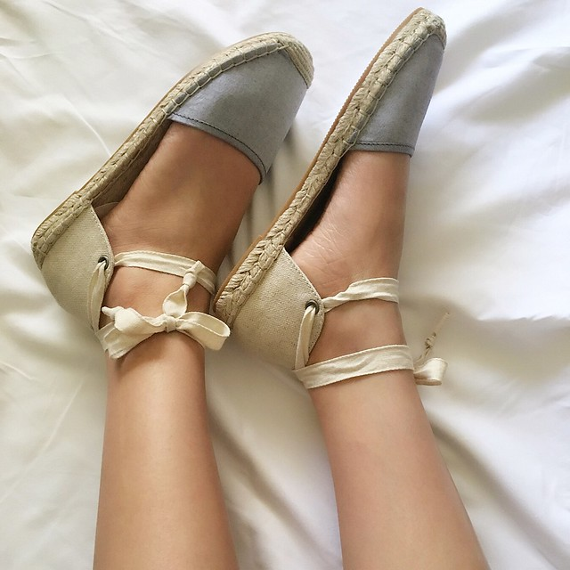 LOFT Chambray Ankle Tie Espadrilles Review on www.whatjesswore.com