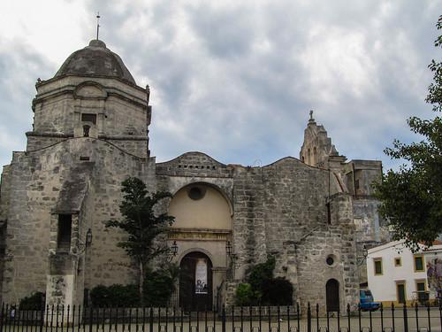 La Havane: église de Paula, en face de la Foire de l'Artisanat