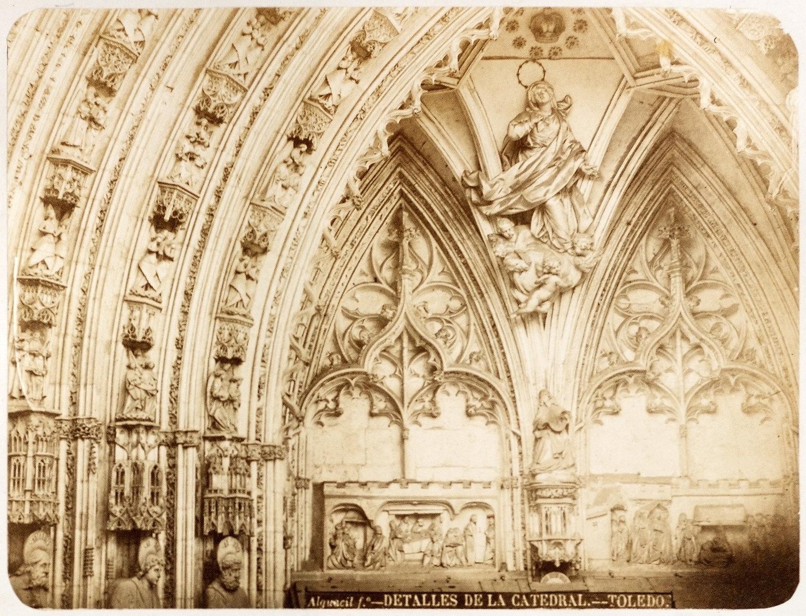 Puerta de los Leones de la Catedral de Toledo hacia 1879. Álbum de la National Gallery con fotos de Casiano Alguacil.