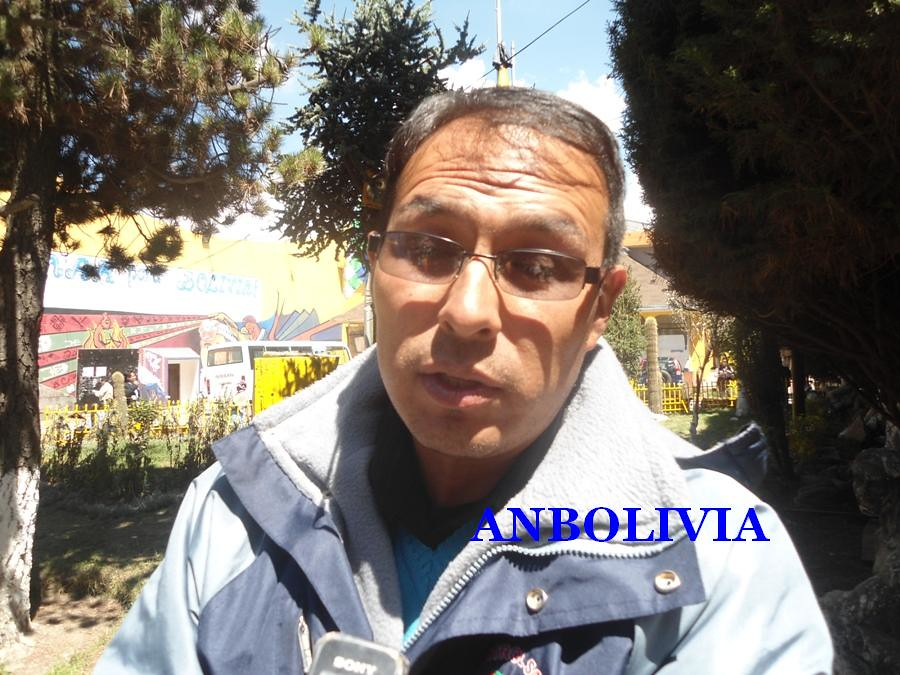 ELE Y ROLANDO HUANCA FEJUVE DE EL ALTO AFIN A SOLEDAD