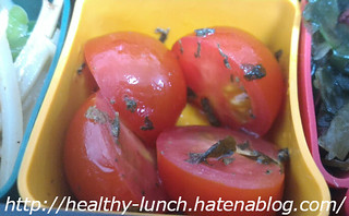 お弁当、2016-4-21、トマトのオリーブオイル和え