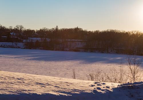 winter sunset snow ice minnesota river us unitedstates mississippiriver saintcloud stcloud wilsonpark hesterpark bentoncounty saukrapids 13thavenuesouth