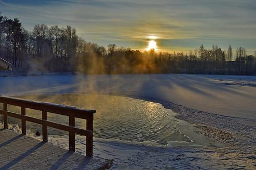 winter sun lake snow cold nature suomi finland landscape nikon frost hole maisema avanto luonto järvi iceswimming nikond3200 hff avantouinti winterswimming d3200 swimminginahole mytäjärvi
