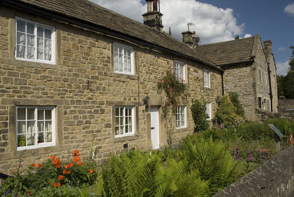 eyam-plague-cottages